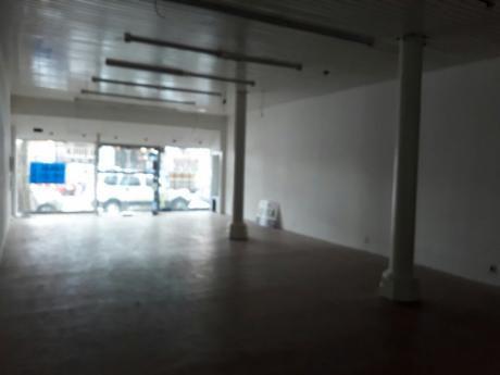 Local Comercial En El Centro. Local Comercial En Alquiler.    - 350 M2., 350 M2 Cub.