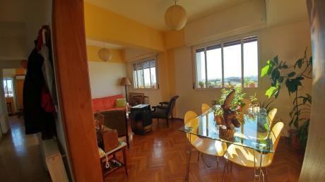 Exelente Apartamento Antiguo Reciclado A Nuevo En El  Centro. Departamento En Venta.   5 Amb. ,  2 Dorm.,  2 Baños - 80 M2.