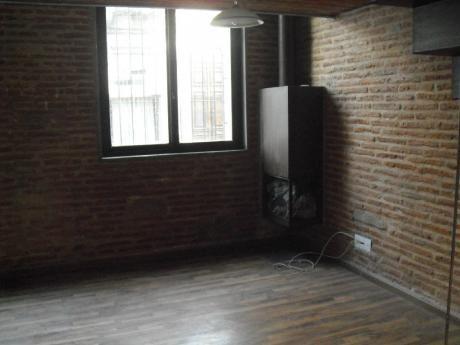 Hermoso Duplex De Estilo En La Ciudad Vieja. Departamento En Alquiler.   3 Amb. ,  1 Dorm.,  1 Baños - 48 M2., 48 M2 Cub.