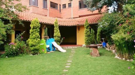 Residencia Exclusiva En Los Pinos