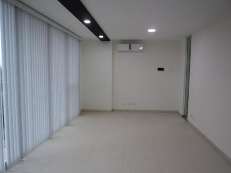 Oficina En Alquiler 28m2 Top Center