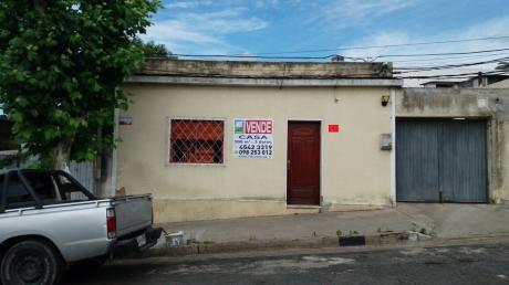 Mercedes, Casa Centrica 3 Dormitorios, Cochera, Etc