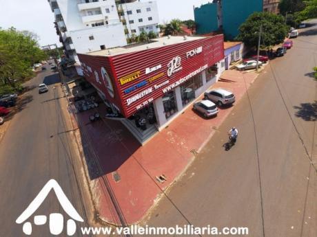 Local En Venta Con Clientela Formada En Ciudad Del Este Sobre Av. San Blas.