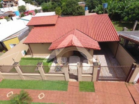 Hermosa Casa En Venta En El Barrio San José