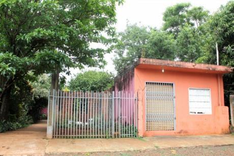 Vendo Casa Con Salón Comercial En El Km 6 Ciudad Del Este