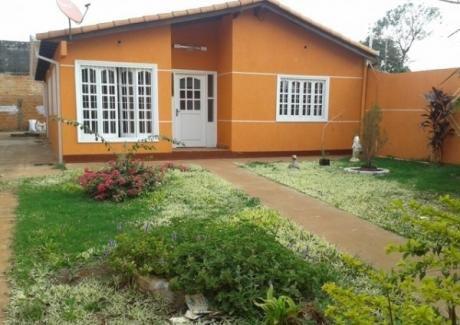 En Venta Hermosa Casa En El Barrio Carolina Km 8 - Ciudad Del Este