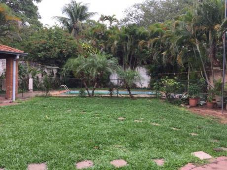Se Vende Casa De 3 Dormitorios, A Pasos Del Club Centenario