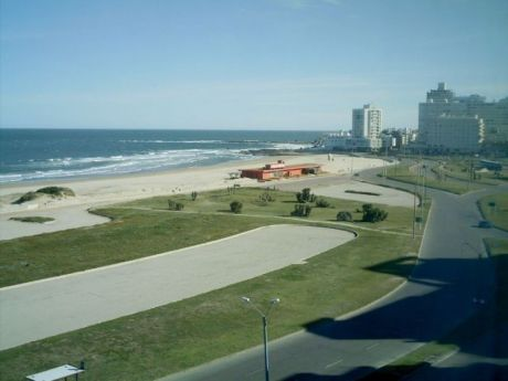 Hermosa Vista A La Playa Brava - 1 Dorm Y 1/2