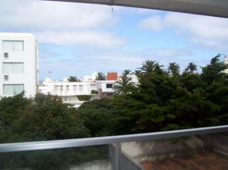 1 Dormitorio Y 1/2 En Península Con Gastos Bajos.