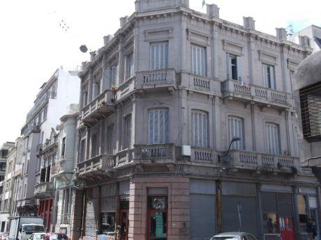 Muy Buen Edificio Con Renta Proximo A Plaza Zabala