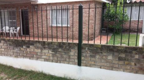 Lindo Padron A 50 Metros Del Agua ,con Buena Construccion  Acepta Banco !!!