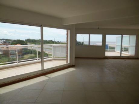 Venta Apartamento 4 Dormitorios 3 Baños Garaje Para 2 Autos Barra De Carrasco