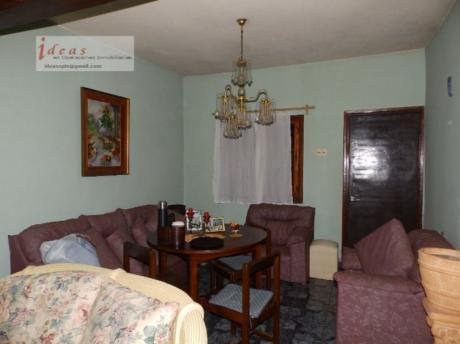 Muy Buena Casa, 2 Dormitorios, Terreno, Garage. Las Piedras