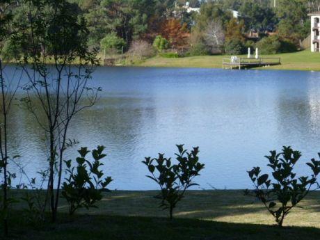 Apartamento En Rincon Del Lago - Avda. De Las Américas