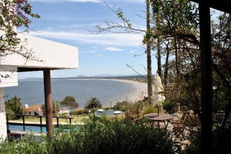 Excepcional Ubicación, Con Gran Vista A Punta Ballena.