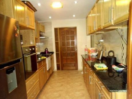 Id 10470 - Chalet De Tejas  Y Apartamento - Exc. Ubicacion, Piscina