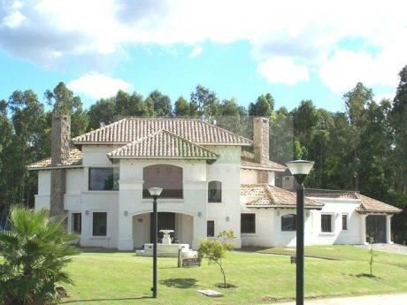 Barrio Privado Cumbres,  Zona Countries Depto. Canelones