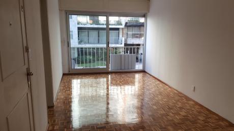 Vende Apartamento 2 Dormitorios En Villa Biarritz