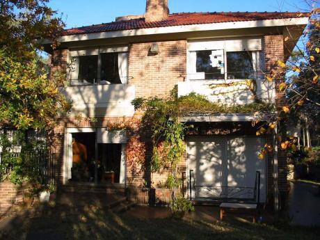 Las Toscas Gran Propiedad, Casa Con Renta  Y Deposito