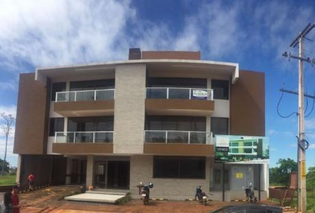 Departamento En Zona Comercial Del Parana Country Club
