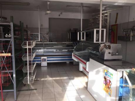 Sitio Alquila Local Comercial Sobre Avda Pérez Butler
