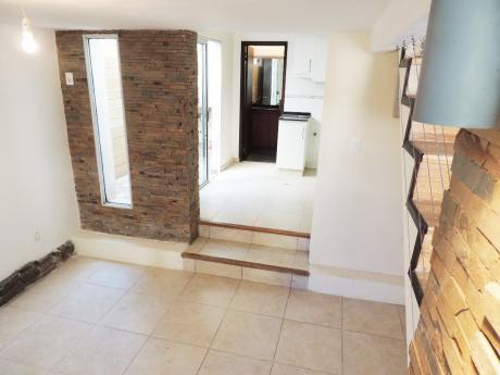 Venta - La Comercial - Duplex - 2 Dormitorios - U77244 120.000
