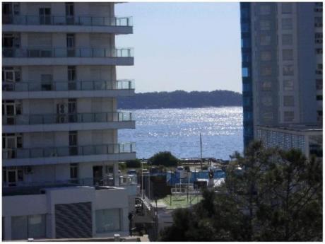 Apartamentos En Playa Mansa: Hrp1351a