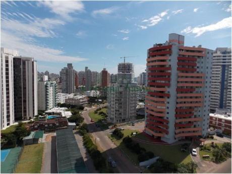 Apartamentos En Playa Brava: Cni15842a