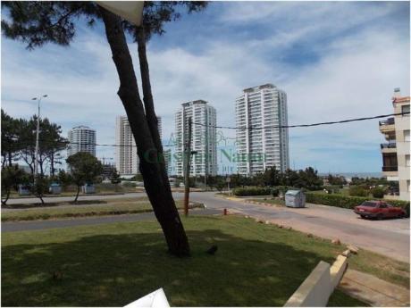 Apartamentos En Playa Brava: Cni15913a