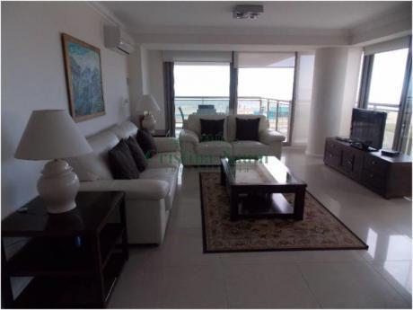 Apartamentos En Playa Brava: Cni16109a