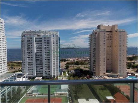 Apartamentos En Playa Mansa: Cni16193a