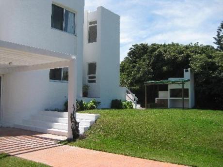 Casas En Rincón Del Indio: Cni4254c