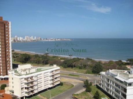 Apartamentos En Playa Mansa: Cni4407a