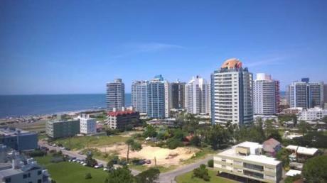 Departamento En Playa Brava - Ref: Co61
