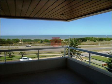 Apartamentos En Playa Brava: Dyt10609a