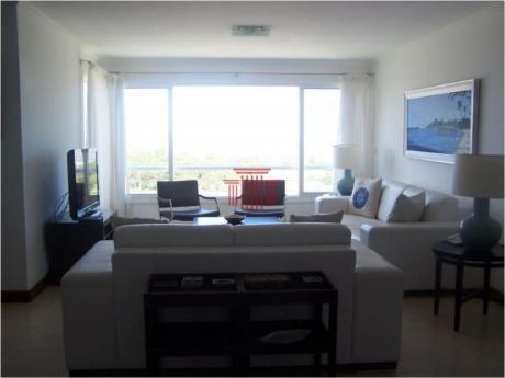 Apartamentos En Playa Brava: Dyt10706a