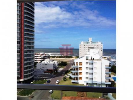 Apartamentos En Playa Brava: Dyt10920a