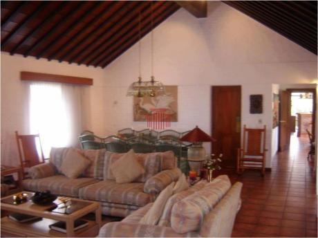 Casas En Playa Mansa: Dyt11700c