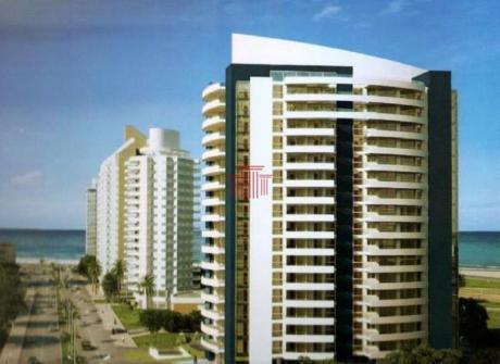 Apartamentos En Playa Brava: Dyt13106a