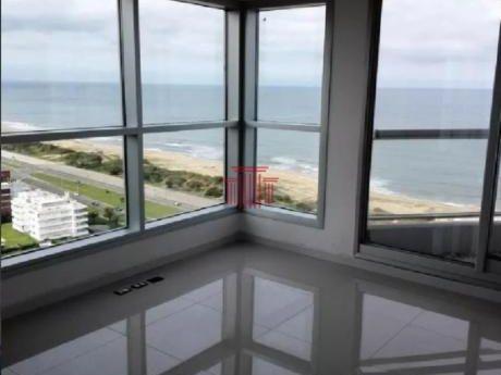Apartamentos En Playa Brava: Dyt13219a
