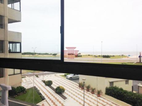 Apartamentos En Playa Brava: Dyt155a