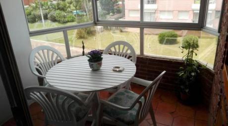 Apartamentos En Playa Mansa: Ipd1060a