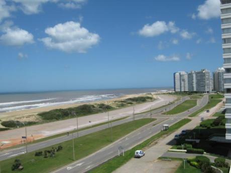 Apartamentos En Playa Brava: Ipd1077a