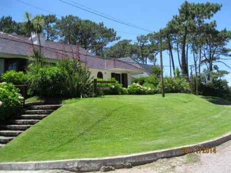Casas En Playa Mansa: Ipd3145c