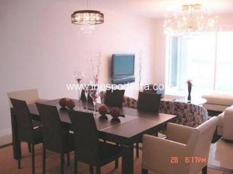 Apartamentos En Playa Mansa: Ipd3674a