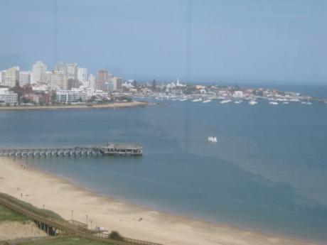 Apartamentos En Playa Mansa: Ipd4274a