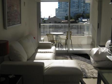 Apartamentos En Playa Mansa: Ipd5155a