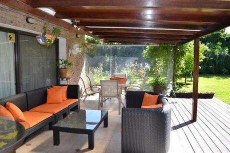 Casas En Playa Mansa: Ipd5327c