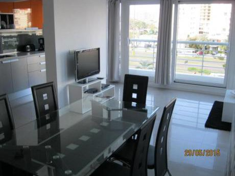 Apartamentos En Playa Mansa: Ipd6108a