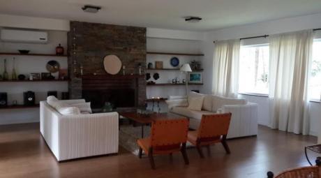 Casas En Playa Mansa: Ipd6170c